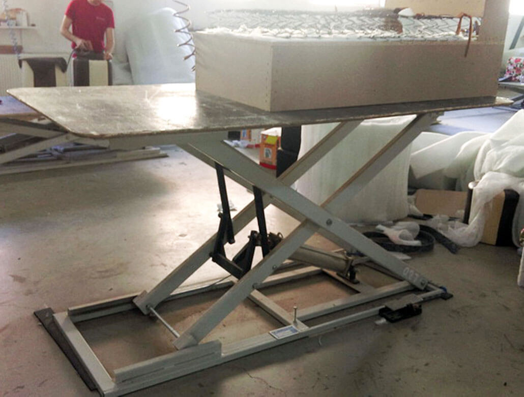 PNEUMATIC TABLE